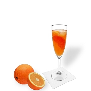 Aperol Spritz is a faintly bitter cocktail that goes down well with almost everybody.